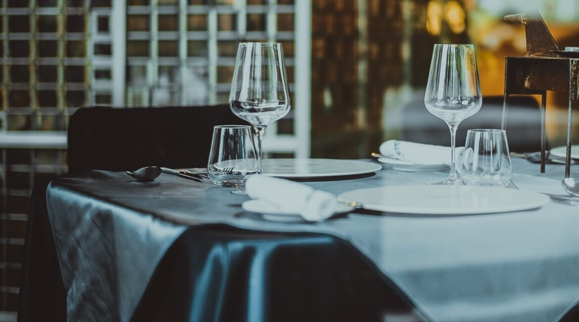 CDC study Coronavirus Patients Twice As Likely To Have Eaten In Restaurants Before Getting Ill